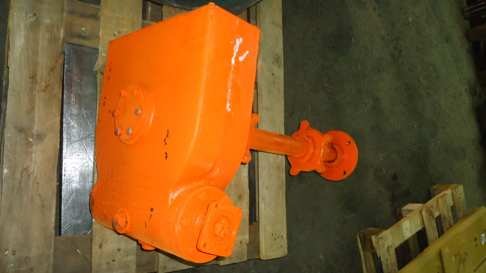 Редуктор привода транспортера кдм 130б 0630000 транспортер на зернометатель